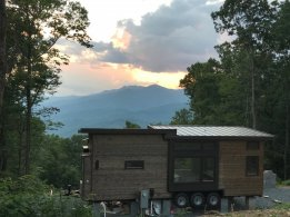 tiny house back with mountain view2
