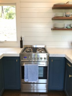 tiny_house_kitchen_range