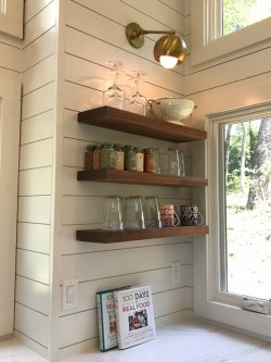 tiny_house_kitchen_shelves